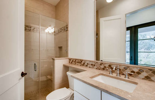 5609 Spanish Oaks Bee Cave TX-small-042-040-Guest House-666×444-72dpi