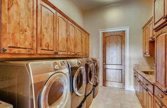 309 Camino Arbolago Lakeway TX-large-015-022-Laundry Room-1500×1000-72dpi