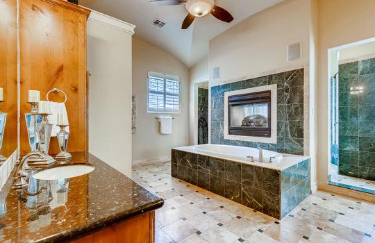 309 Camino Arbolago Lakeway TX-large-020-017-Primary Bathroom-1500×1000-72dpi