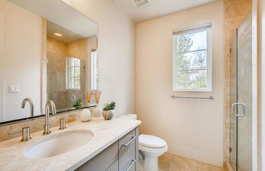 12524 Maidenhair Lane Austin-large-025-024-Bathroom-1500×1000-72dpi