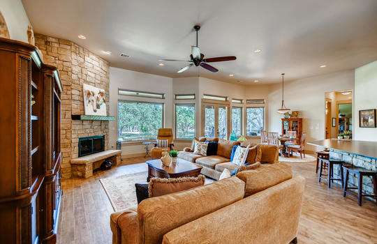 915 Rivercliff Dr Spicewood TX-large-009-042-Living Room-1500×1000-72dpi