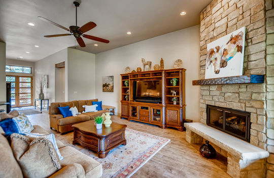 915 Rivercliff Dr Spicewood TX-large-010-032-Living Room-1500×1000-72dpi