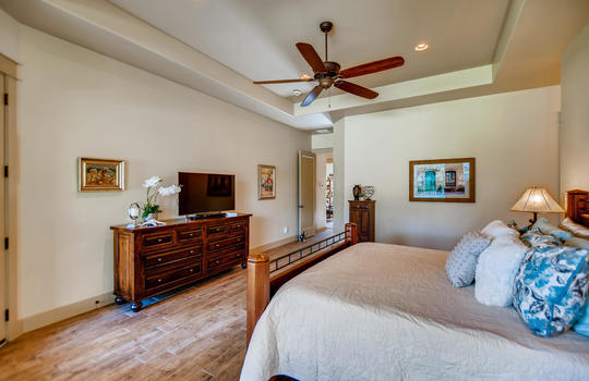 915 Rivercliff Dr Spicewood TX-large-022-020-Primary Bedroom-1500×1000-72dpi