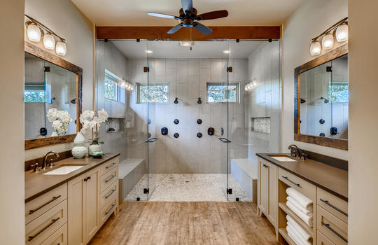 915 Rivercliff Dr Spicewood TX-large-023-015-Primary Bathroom-1500×1000-72dpi
