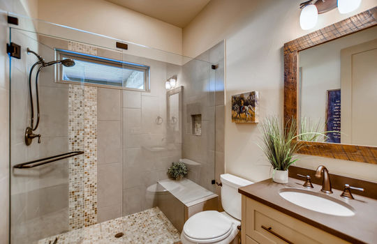 915 Rivercliff Dr Spicewood TX-large-030-026-Bathroom-1500×1000-72dpi
