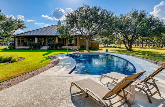 915 Rivercliff Dr Spicewood TX-large-040-035-Exterior Pool-1500×1000-72dpi