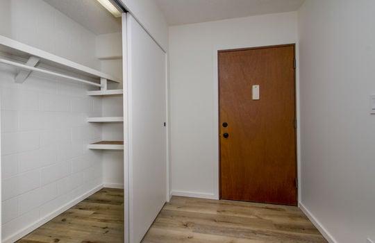 818-S-King-St-904_closet