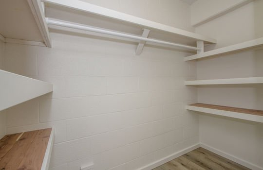 818-S-King-St-904_closet2
