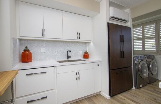 818-S-King-St-904_kitchen<9
