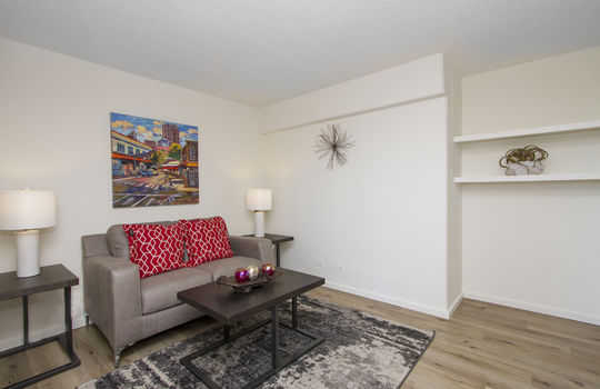 818-S-King-St-904_living area