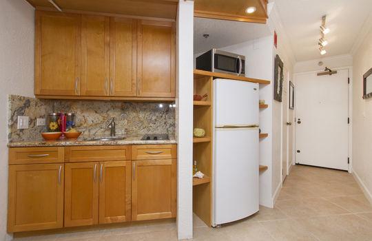 300-Wai-Nani-Way-2105_kitchen3