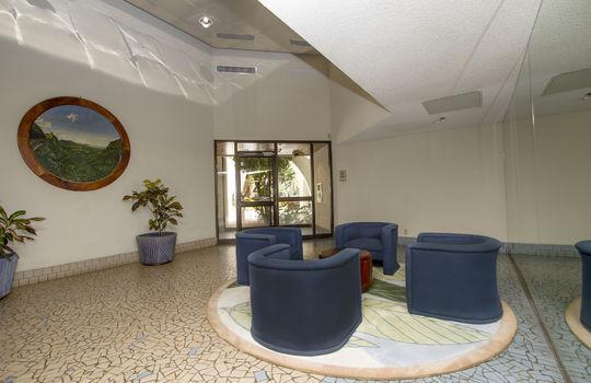 300-Wai-Nani-Way-2105_lobby