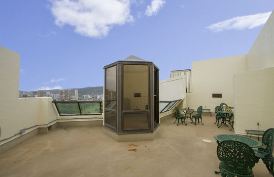 300-Wai-Nani-Way-PH14_balcony