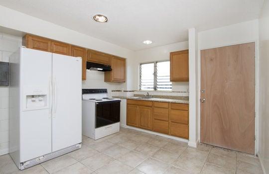 19-630-Kilaha-St-10_kitchen<