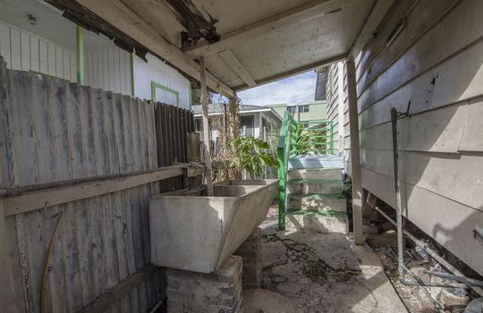 1121C-banyan-st_sm_outside wash2