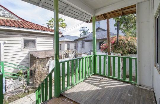 1121D-banyan-st_sm_front porch