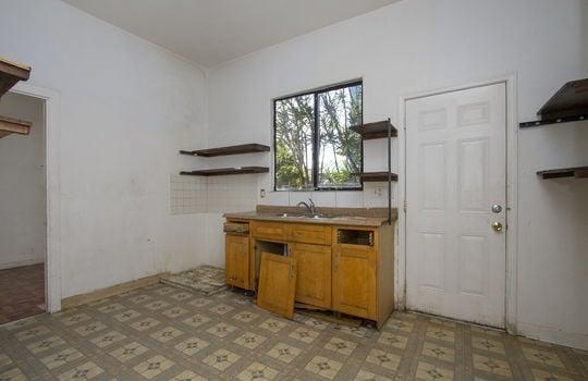 1121D-banyan-st_sm_kitchen
