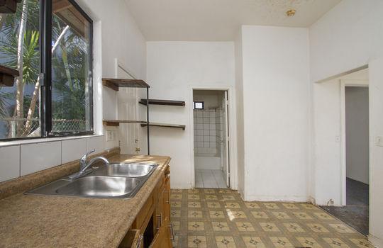 1121D-banyan-st_sm_kitchen bathrm