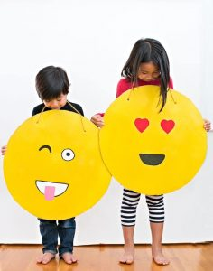Emoji Costume Cardboard DIY