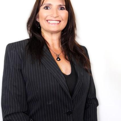 Charlina Garthner